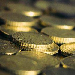 Eurosta ulos vai Euro uusiksi?